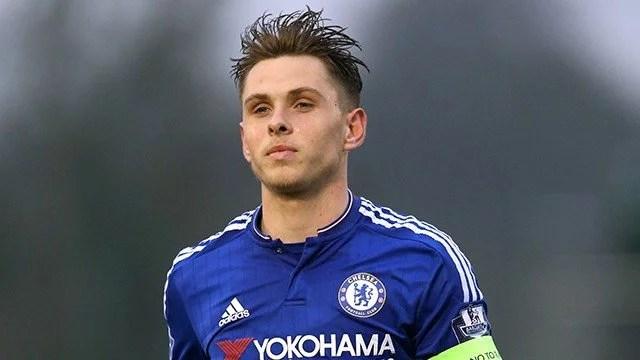 Colkitt renovou contrato com os Blues (Foto: Chelsea FC)