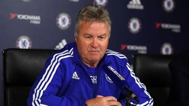 Hiddink comentou o futuro de John Terry (Foto: Chelsea FC)
