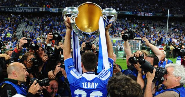 Já são 18 anos com a camisa dos Blues para o capitão John Terry (Foto: Mirror).