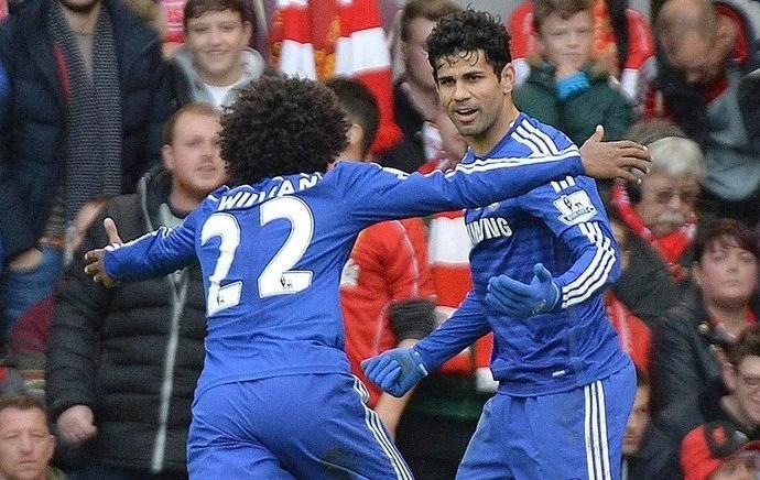Em 2014/15, Diego foi decisivo em vitória no clássico (Foto: EFE)