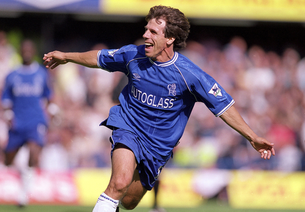 Zola marcou seu nome no Chelsea e teve até o número da camisa aposentado (Foto: Getty Images)