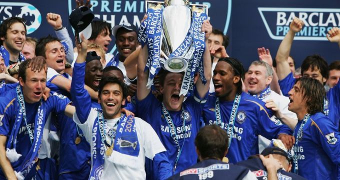 Na Historia: Chelsea celebra a conquista do título da Premier League 2005/06. (Premier League / Site)