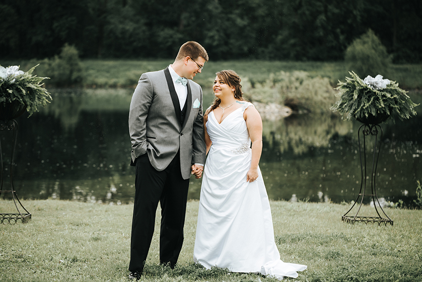 Waverly Iowa Wedding Photographer Cedar Falls wedding photographer Iowa wedding at Three Rivers Park