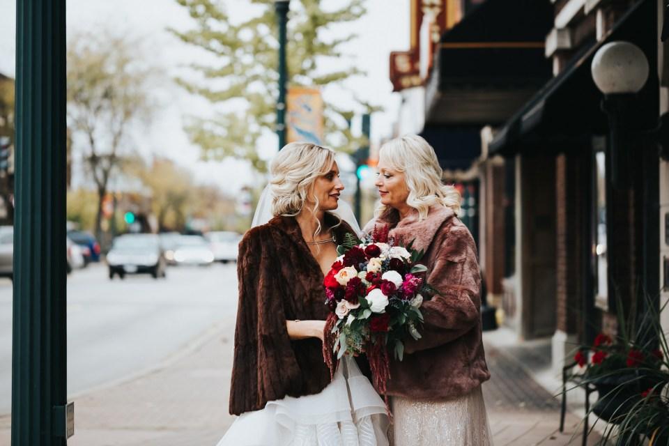 Chelsea Dawn Weddings Lindsay and Jared Cedar Falls IA (32)