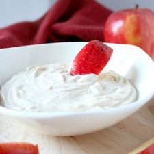 Cinnamon Yogurt Fruit Dip