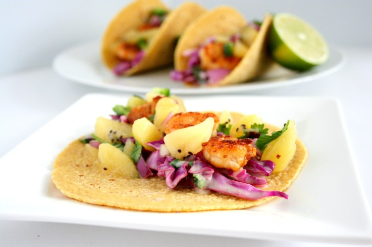 Savoring these last few weeks of summer with my shrimp tacos with kiwi salsa. These delicious shrimp tacos are easy to make and have all the best summer flavors.