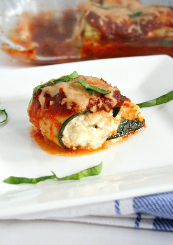 Ball'n on a budget this year? I've got the perfect recipe for you! Cut down on calories and grocery prices with my Zucchini Lasagna Rolls. At just $2.84 a serving your wallet and waist line will thank you!