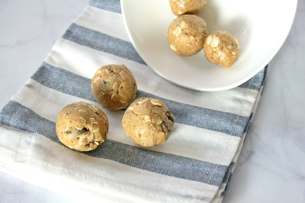My peanut butter chocolate chip protein balls are ready in no time. If you need a quick snack on the go, post workout fuel, or a sweet treat this delicious recipe was made just for you. Bet you can't eat just one!