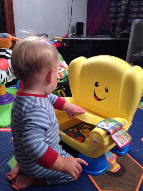 https://chelseamamma.co.uk/2014/10/fisher-price-laugh-learn-smart-stages-chair-review/