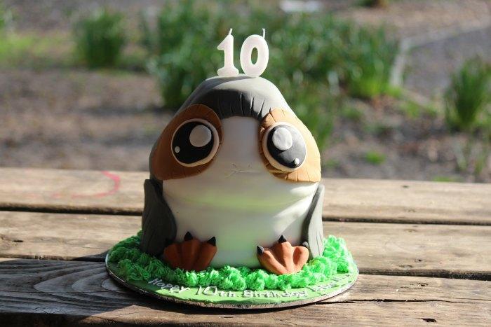 Porg birthday cake 10