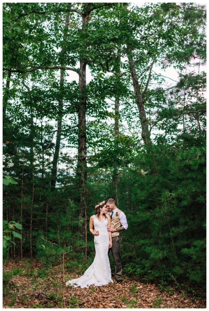 Destination_Wedding_Photographer_Mountain-Top-Cabin-Wedding_Elizabeth-and-Benjamin_Dahlonega-GA_0060.jpg