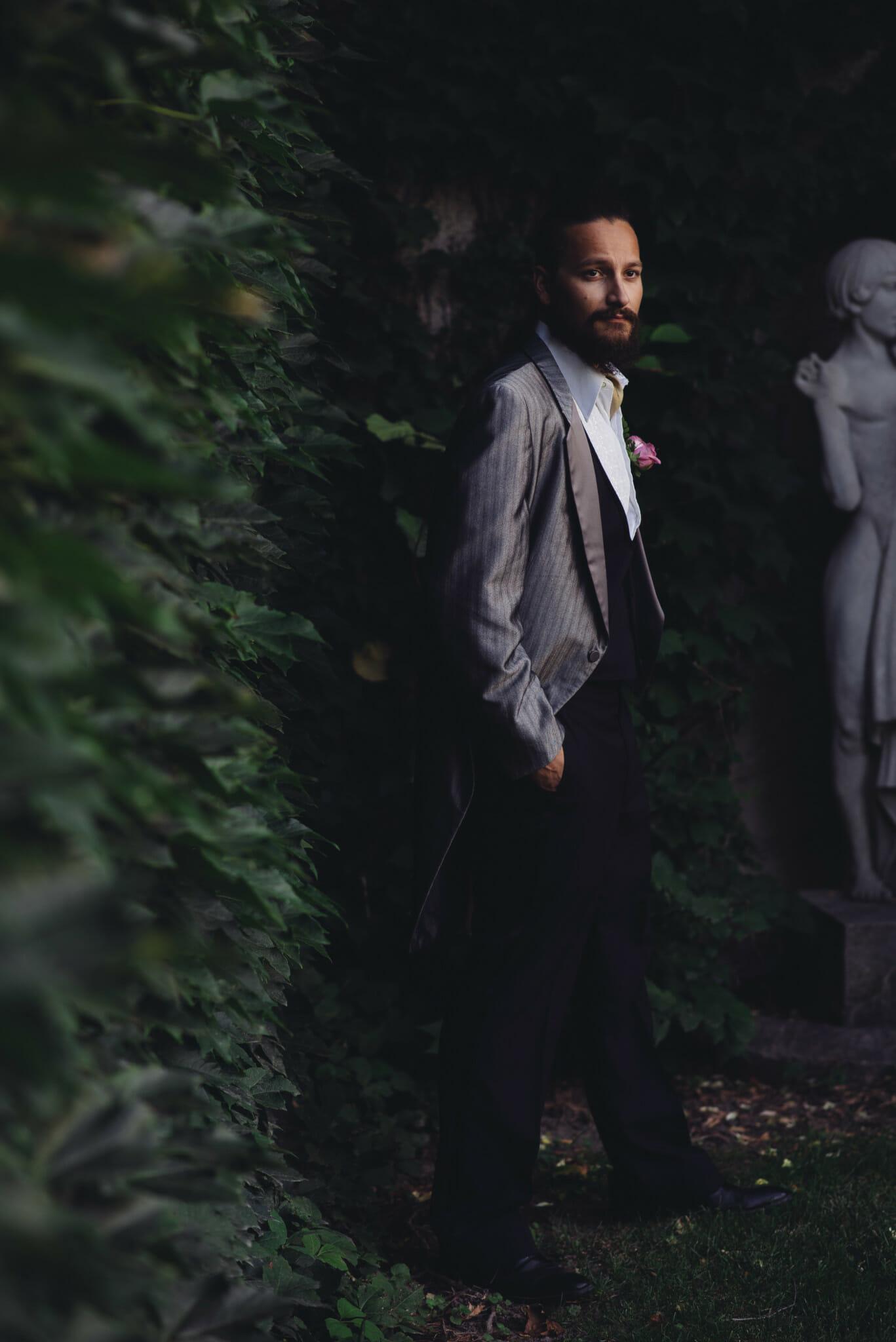 groom portrait wedding photos parkwood