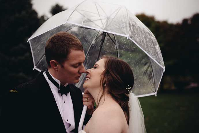 bride and groom wedding photos heydenshore whitby