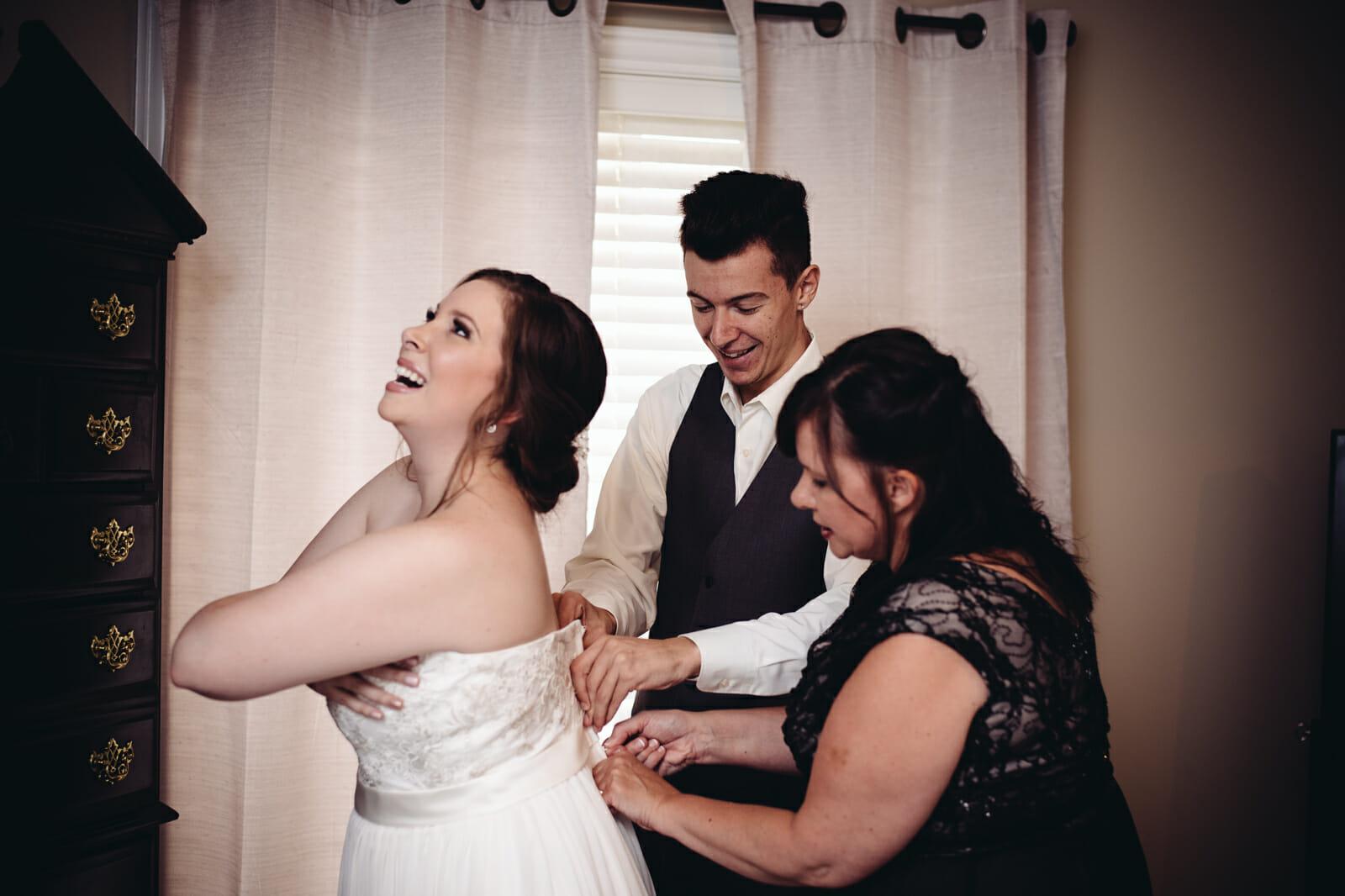 bride getting ready in brooklin