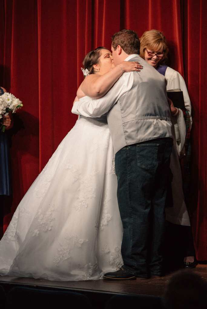 first kiss at herongate captured by pickering wedding photographer