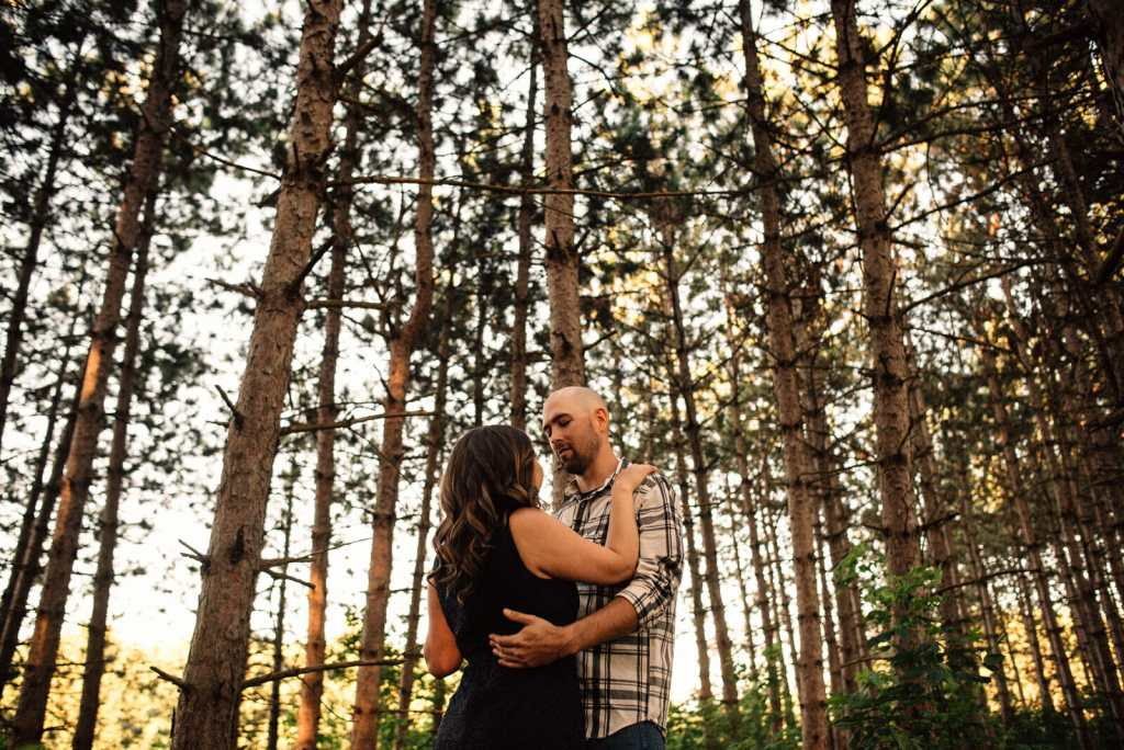 couple slow dance in alliston engagement session