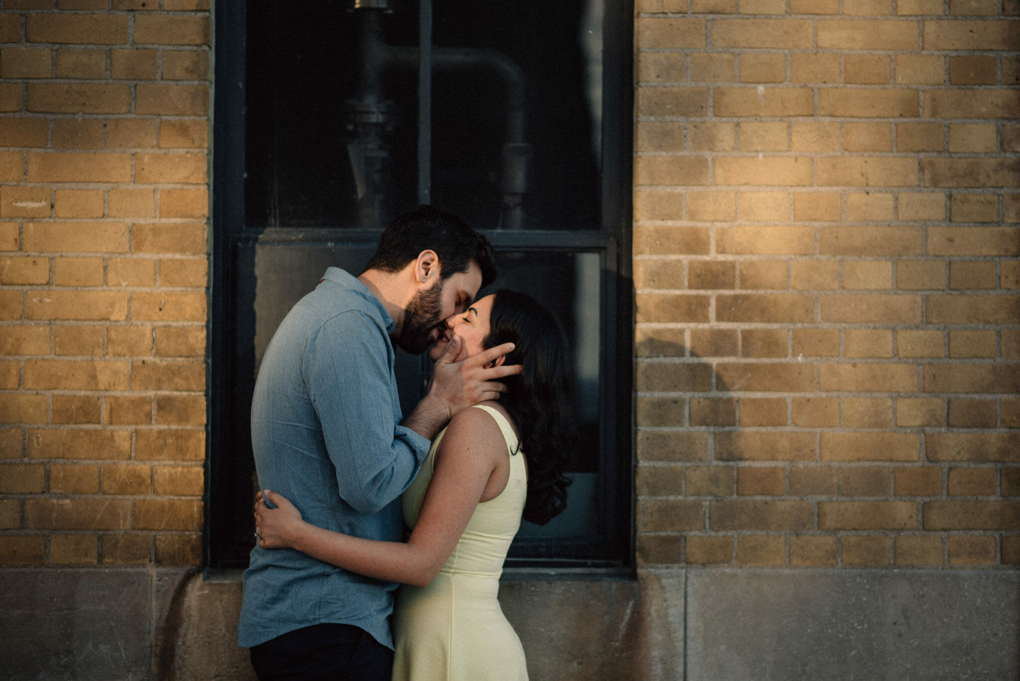 married couple kiss during toronto couples session rc harris