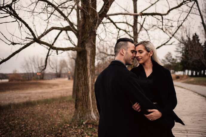 romantic engagement photos woodbine beach