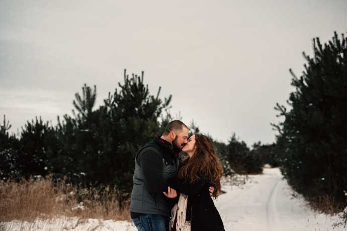 intimate engagement photos in the winter