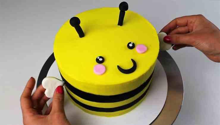 Bert The Bumblebee Cake Chelsweets