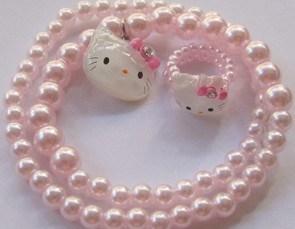 Jenny et son collier de perles 3