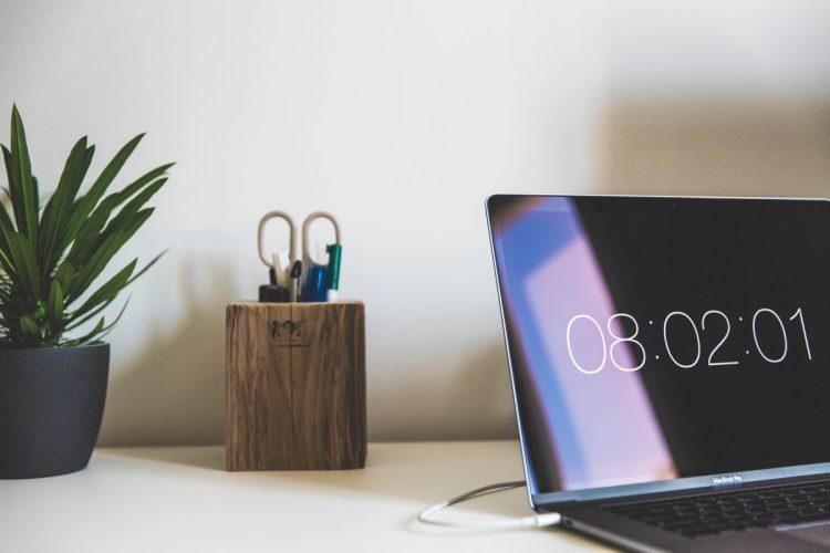 Semaine de 4 jours, journée de 5 heures : travailler moins pour travailler mieux ?