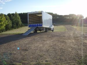 Transportation truck for investigation samples