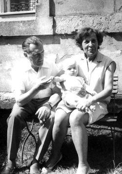 Meine Oma Hilde und Opa Erich mit Ihrem kleinen Jörg