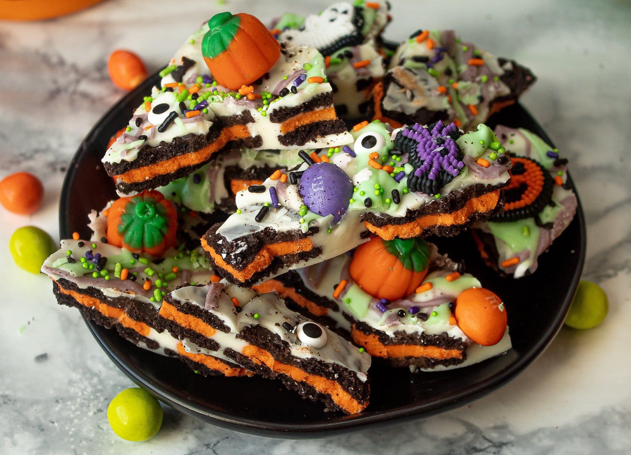 Halloween Oreo White Chocolate Bark