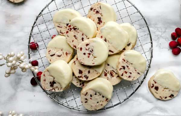 Slice and Bake Christmas Cookies - Easy White Chocolate Dipped Cranberry Shortbread! | Chenée Today