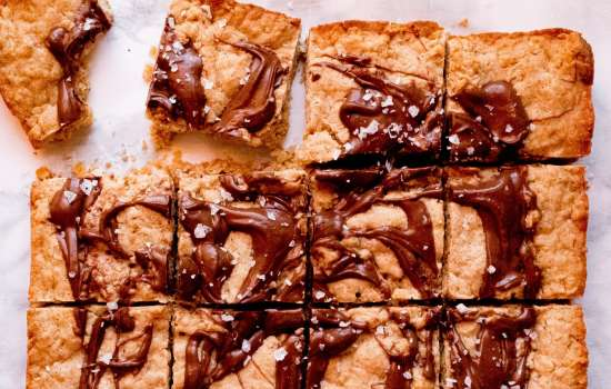 Oatmeal Cookie Bars with Brown Butter and Salted Nutella Swirl