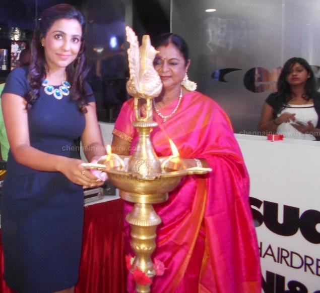 essensuals parvathy Nair Launch