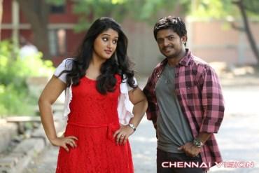 Onbathilirundhu Pathuvarai Tamil Movie Photos