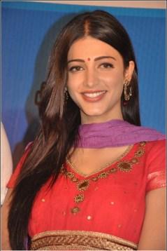 Tamil Actress Shruti Haasan Photos by Chennaivision