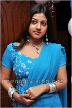 Tamil Actress Keerthi Chawla Photos by Chennaivision