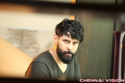 Tamil Actor Vikram Photos, Images, Stills