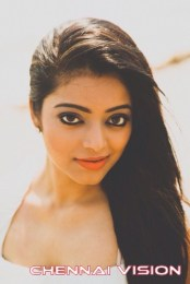 Tamil Actress Janani Iyer Photos by Chennaivision