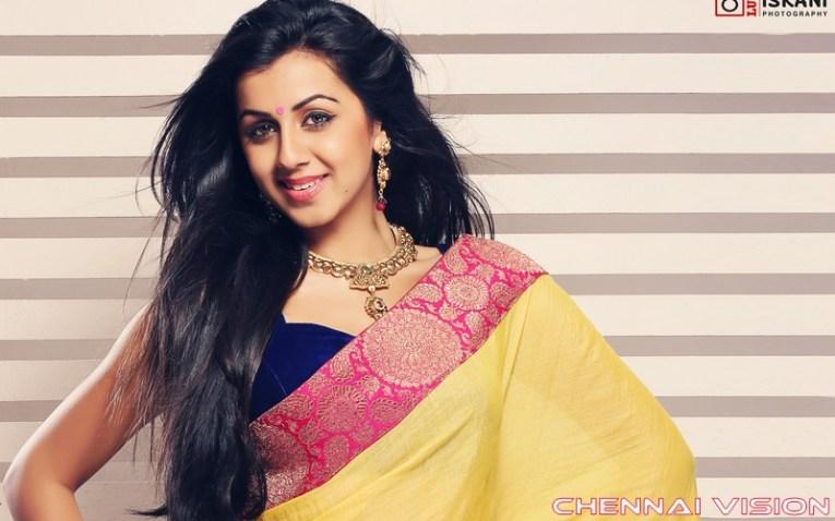 Tamil Actress Nikki Galrani Photos