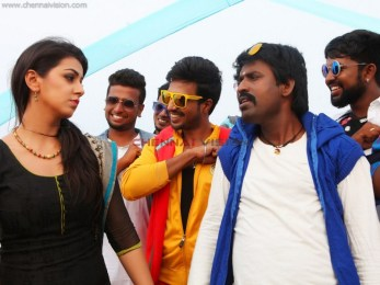 Velainu Vandhutta Vellaikaaran Tamil Movie Photos