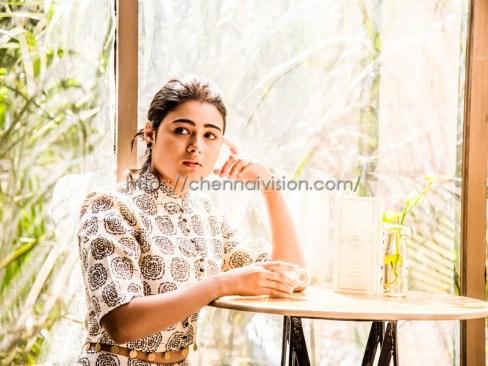 Actress Shalini Pandey New Photos 1