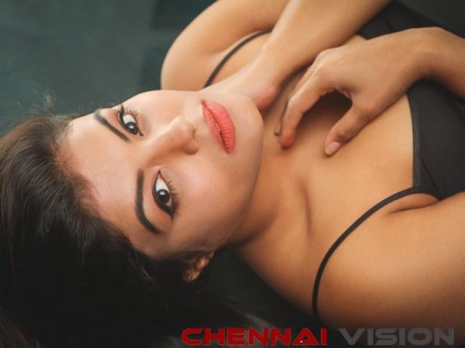 Actress Tejashree Photos