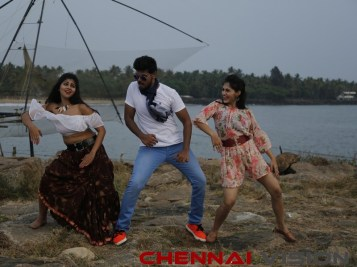 koothan Tamil Movie Photos 9