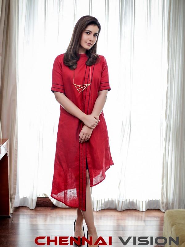 Actress Raashi Khanna Latest photoshoot Photos 7