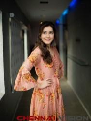Actress Raashi Khanna latest Photos 3