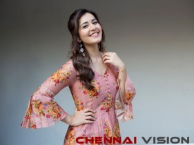 Actress Raashi Khanna latest Photos 5