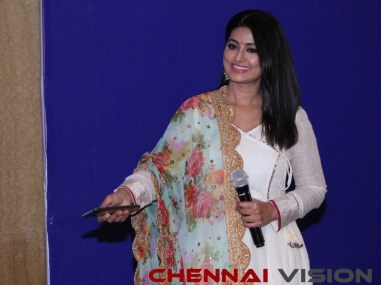 Actress Sneha launched Ryde App 17