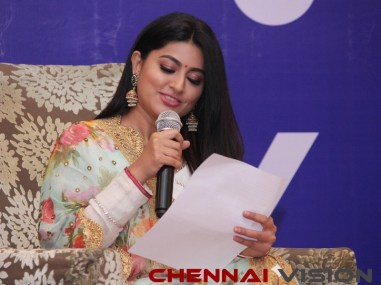 Actress Sneha launched Ryde App 18
