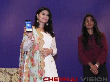 Actress Sneha launched Ryde App 5