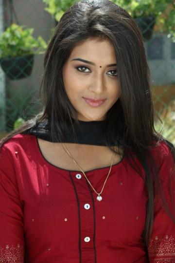 Arjun Reddy Tamil Movie photos 5