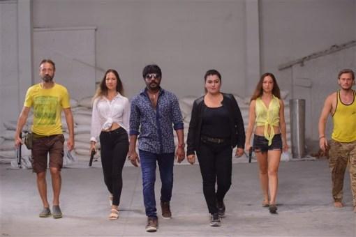 Avathara Vettai Tamil Movie Photos 14
